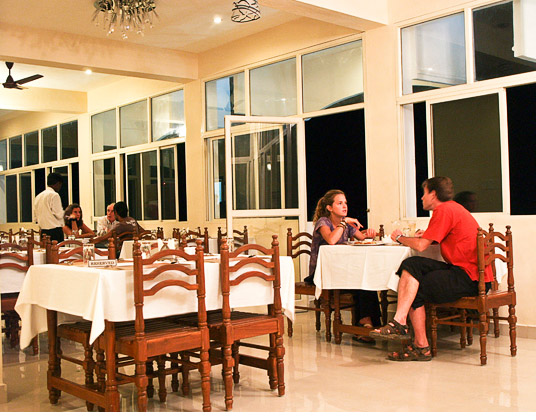 Castle Service Apartment Pondicherry Restaurant