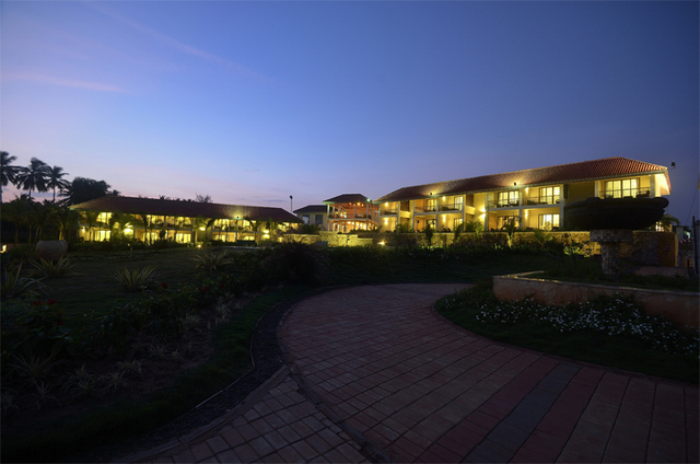 Pondicherry Resorts Near Rock Beach